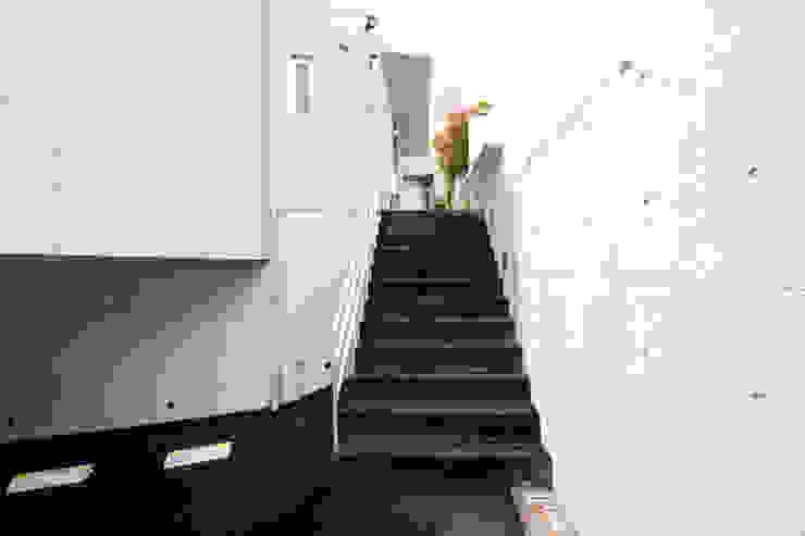Casas modernas de 有限会社クリエデザイン/CRÉER DESIGN Ltd. Moderno