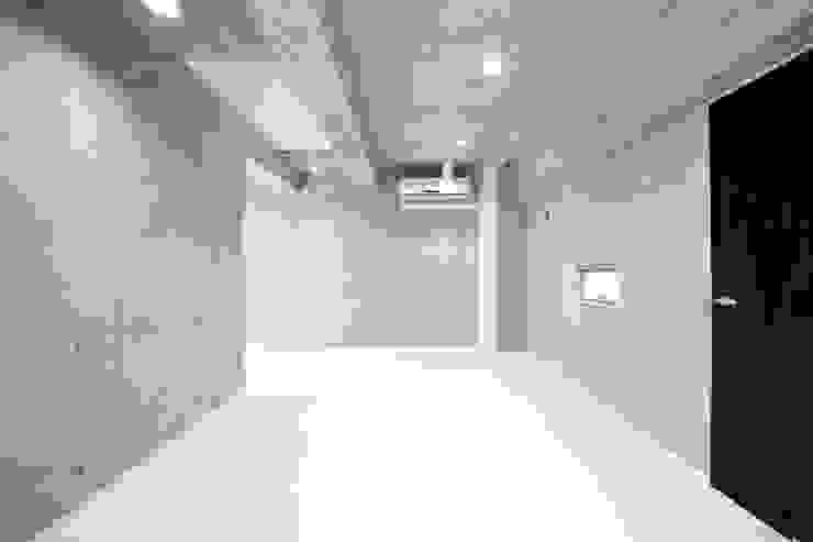de 有限会社クリエデザイン/CRÉER DESIGN Ltd. Moderno