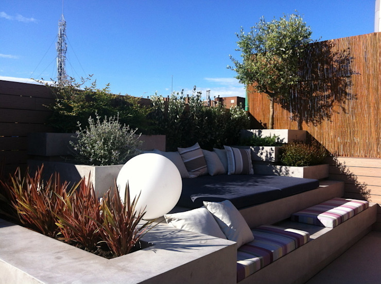 Atico en Barcelona Asilvestrada Jardines de estilo mediterráneo