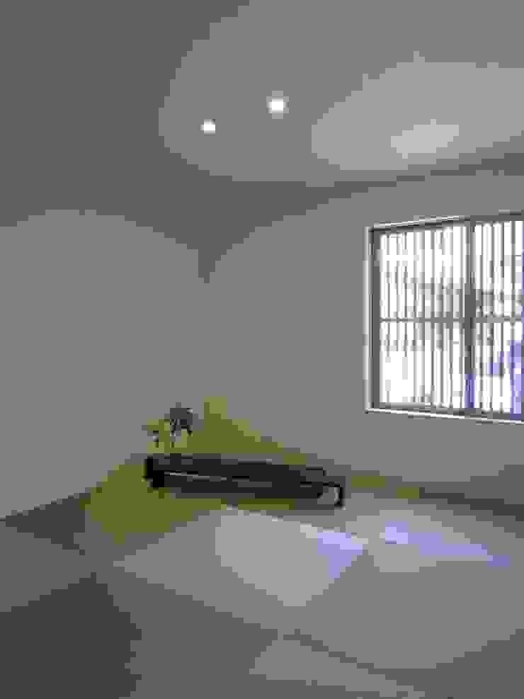 Salas multimídia modernas por 有限会社クリエデザイン/CRÉER DESIGN Ltd. Moderno