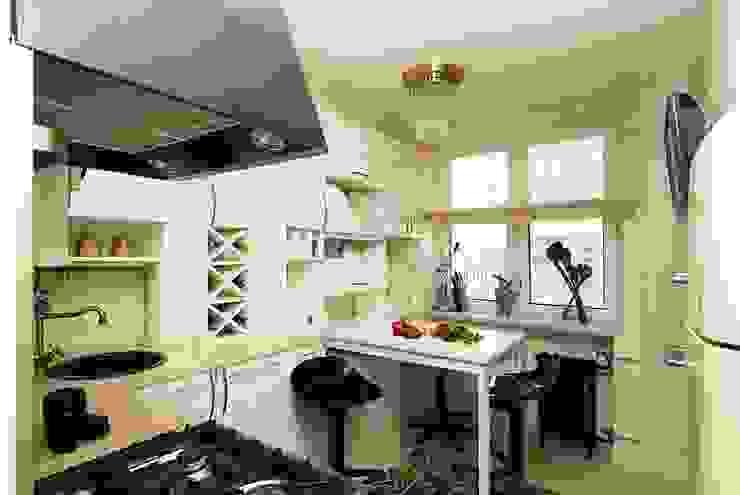 Небольшая московская квартира: Кухня в . Автор – Irina Tatarnikova