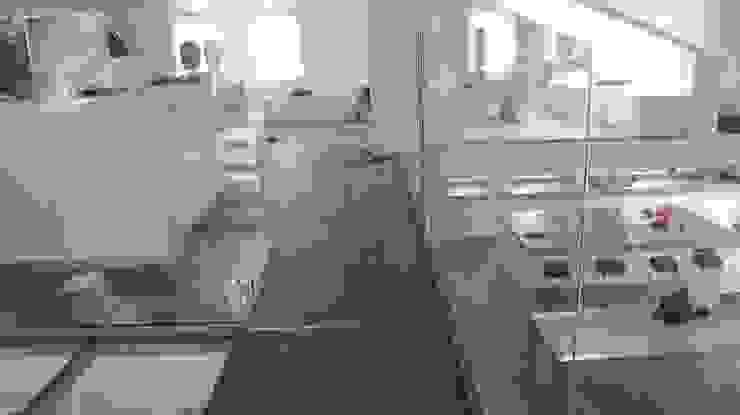 Woonhuis Maastricht: modern  door DeMaakfabriek.com, Modern