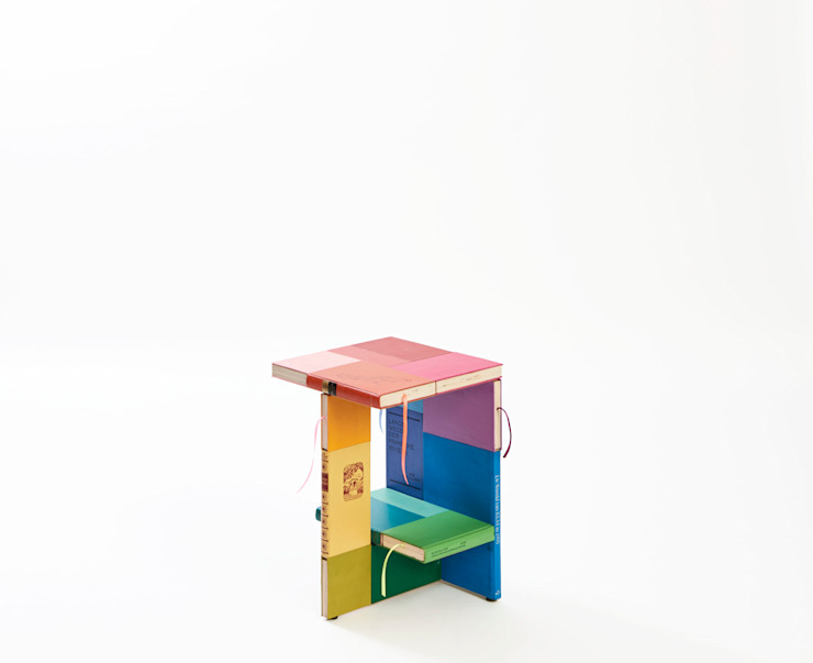 BOOKED coffee-table: modern  door BOOKED  by Jacqueline le Bleu, Modern