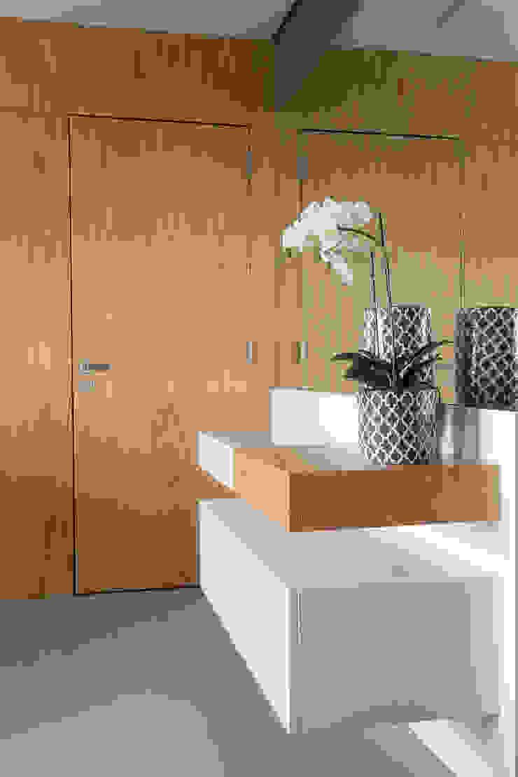 Haruf Arquitetura + Design Vestíbulos, pasillos y escalerasCómodas y estanterías
