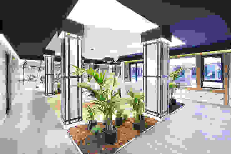 Balkon, Beranda & Teras Gaya Asia Oleh Egue y Seta Asia