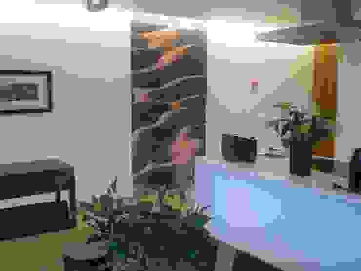 OFICINAS_SUELOS Y PAREDES Oficinas y tiendas de estilo tropical de SUELOS Y PAREDES SIN OBRAS Tropical