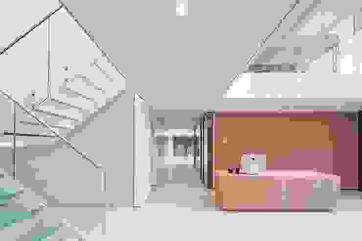 OFICINAS_SUELOS Y PAREDES Edificios de oficinas de estilo minimalista de SUELOS Y PAREDES SIN OBRAS Minimalista