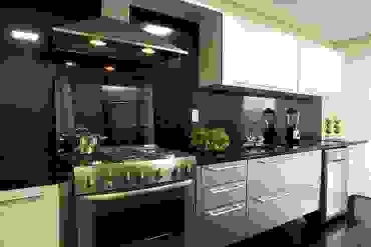 Top House SP Cozinhas modernas por homify Moderno