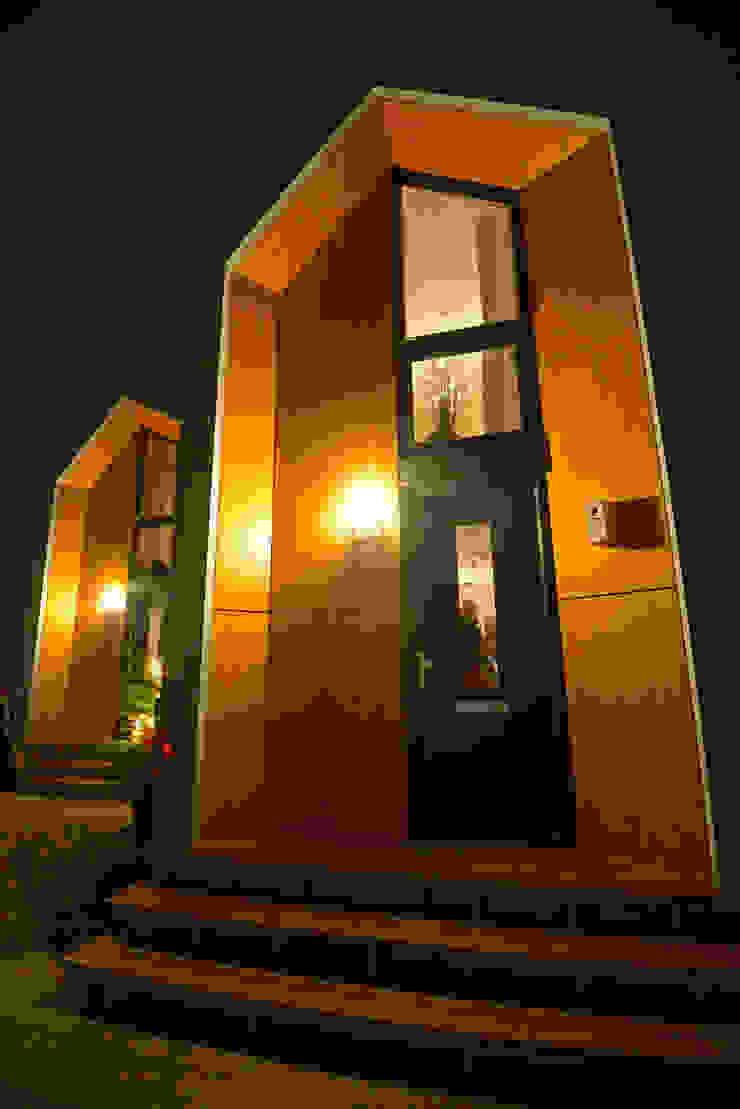 Minimalist house by MoodBuilders Minimalist
