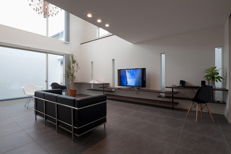 Living room by LITTLE NEST WORKS,