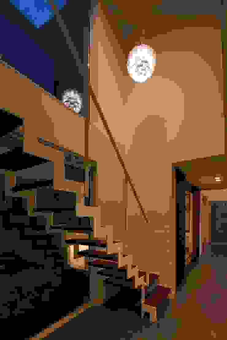 玄関ホール モダンスタイルの 玄関&廊下&階段 の LITTLE NEST WORKS モダン