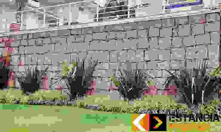 Paredes y pisos rústicos de Estância Pedras Rústico