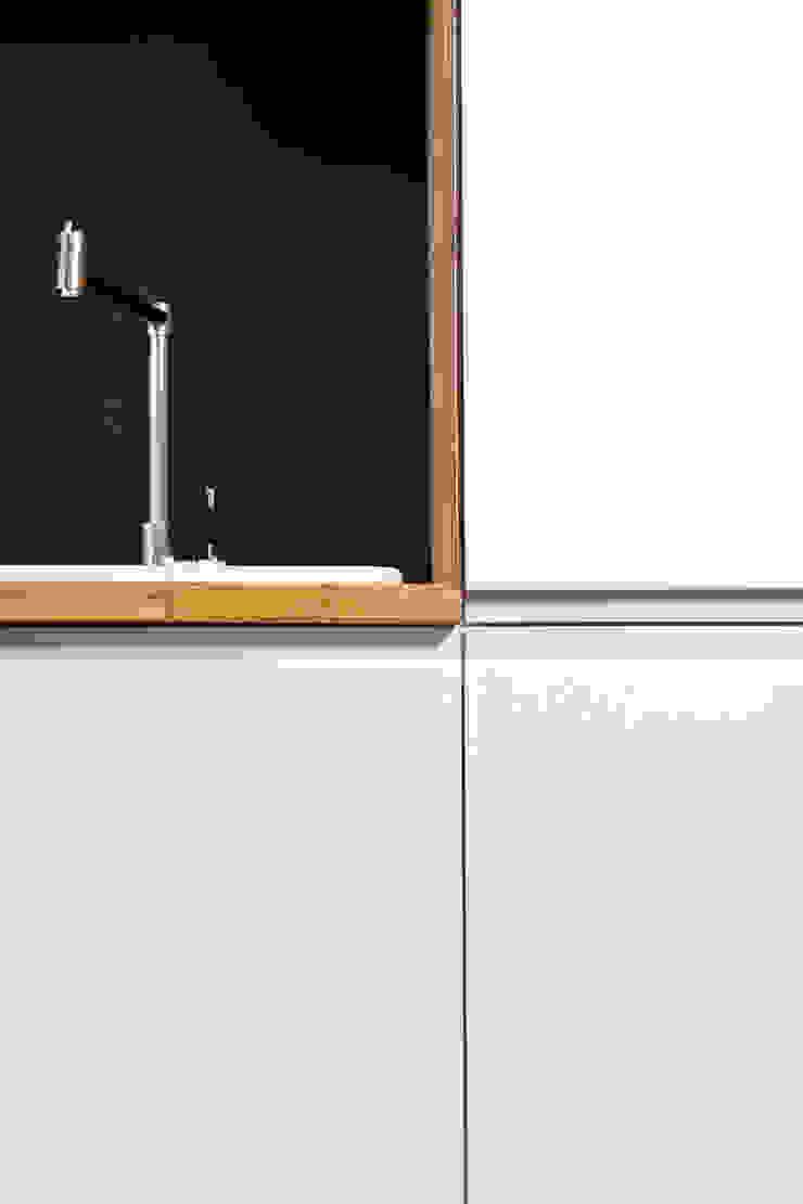 Kuchnia Bronowice Eklektyczna kuchnia od SPOIWO studio Eklektyczny