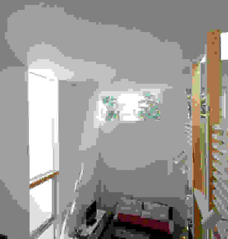 VORTEX CUBE ミニマルデザインの 多目的室 の 畠中 秀幸 × スタジオ・シンフォニカ有限会社 ミニマル