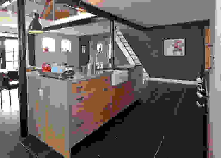 Wiejska kuchnia od Thijs van de Wouw keuken- en interieurbouw Wiejski