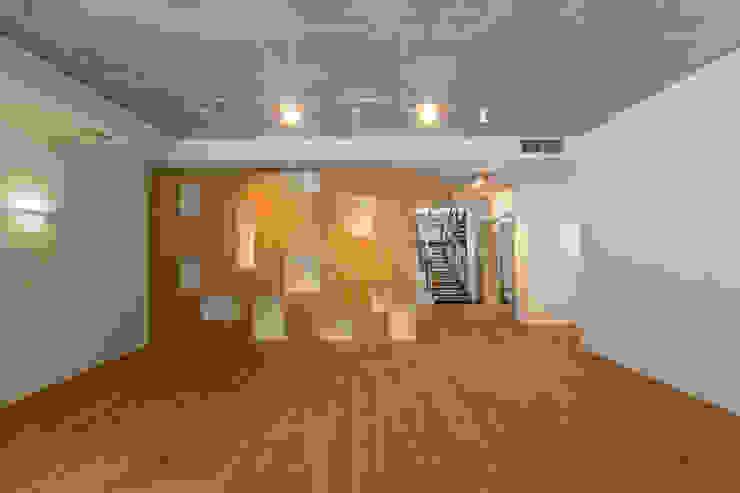 GoodLife Park дом №2 Гостиная в стиле минимализм от TSEH Architectural Group Минимализм
