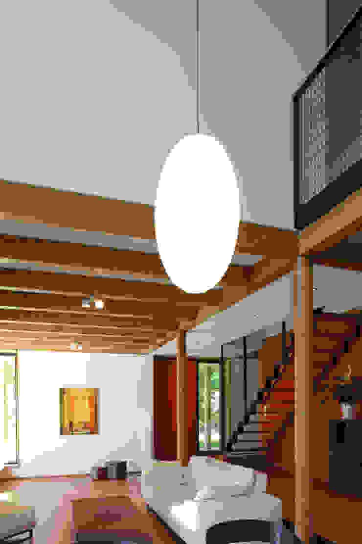 Salas de estilo moderno de ArchitekturWerkstatt Vallentin GmbH Moderno