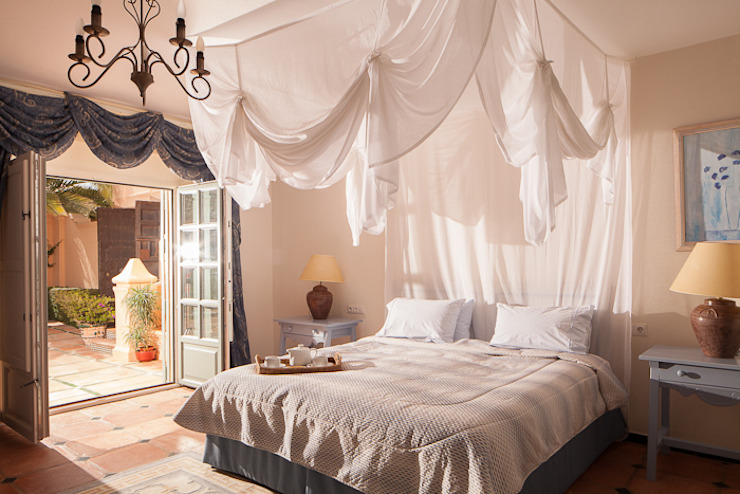 Sotogrande Classic style bedroom by homify Classic