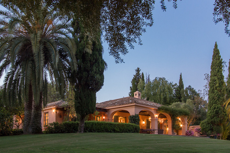 Sotogrande Classic style garden by homify Classic