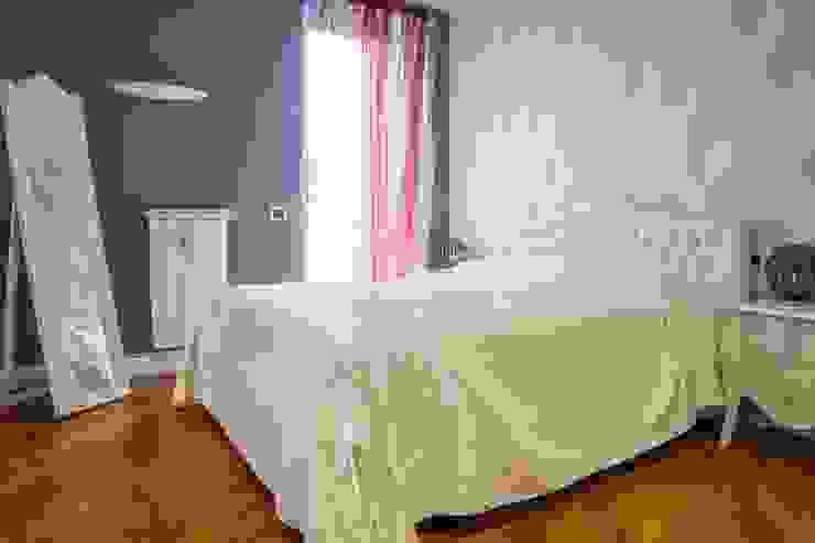 Camera da letto padronale Camera da letto moderna di homify Moderno