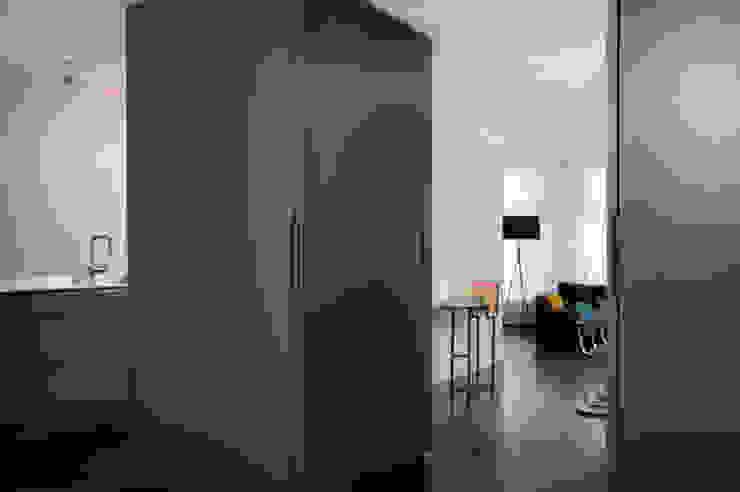 HOME #2 Minimalistische woonkamers van VEVS Interior Design Minimalistisch