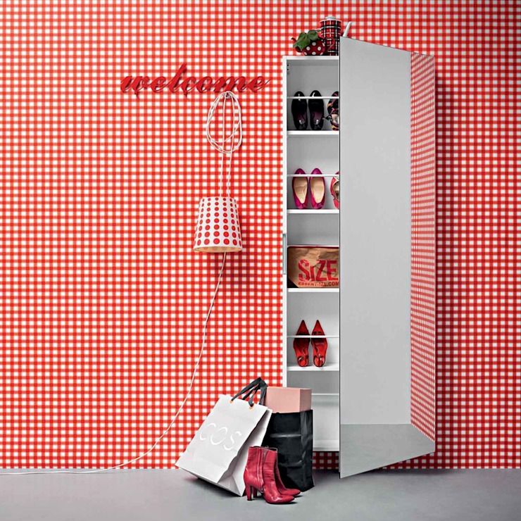 'Welcome' Contemporary hallway shoe storage with mirror by Birex homify Коридор, коридор і сходиЗберігання