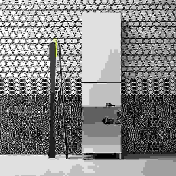 'Linear' Contemporary hallway shoe storage with mirror door by Birex por My Italian Living Moderno