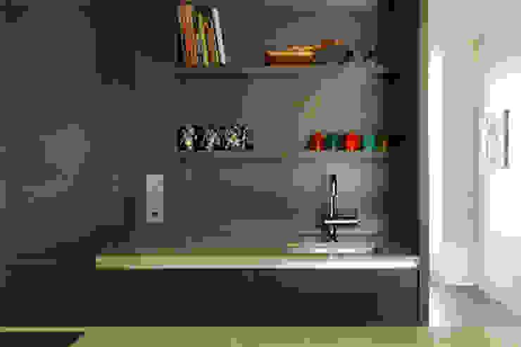 Home # 3:  Keuken door VEVS Interior Design,