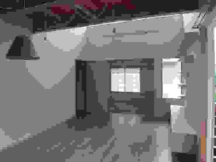 リビング~畳室 モダンデザインの リビング の ジュウニミリ建築設計事務所 モダン