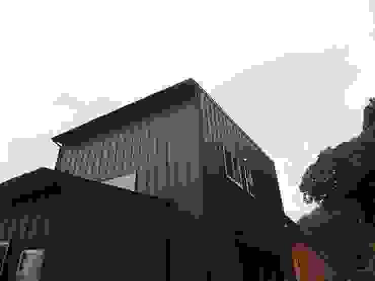 外観(見上げ) モダンな 家 の ジュウニミリ建築設計事務所 モダン