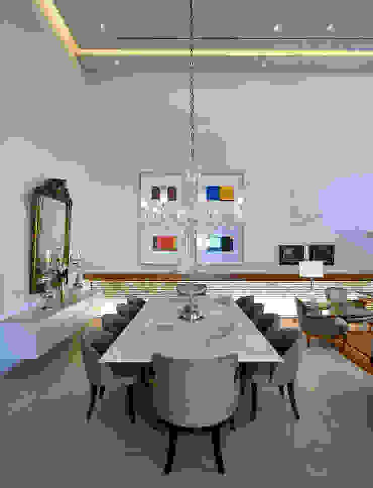 LM Salas de jantar modernas por Terinn Arquitetura e Mobiliário Ltda Moderno