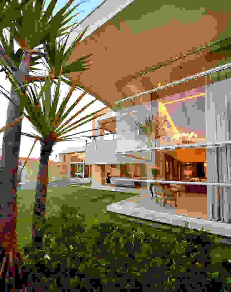 LM Casas modernas por Terinn Arquitetura e Mobiliário Ltda Moderno