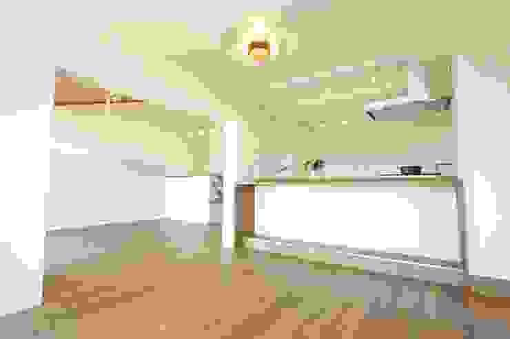 浜松市 T邸 北欧デザインの リビング の アールデザインスタジオ株式会社 北欧 木 木目調