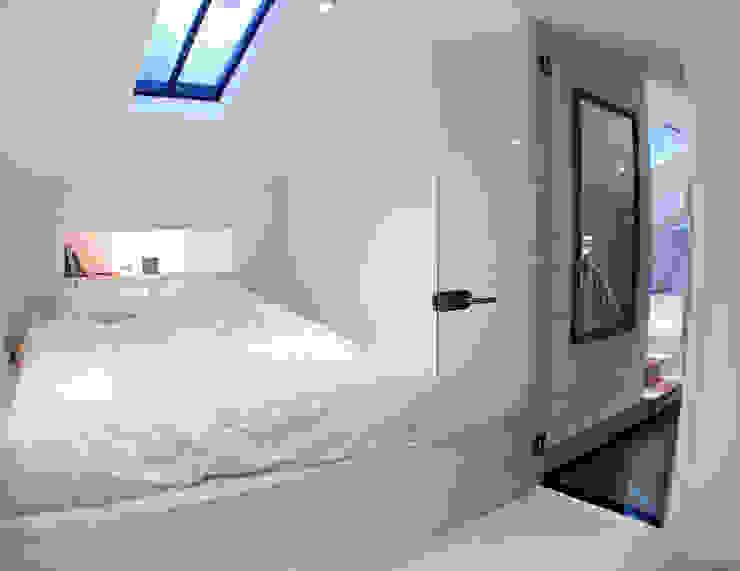 Bedroom GK Architects Ltd BedroomAccessories & decoration