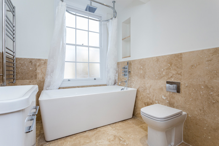 Flat Conversion in Islington GK Architects Ltd Salle de bainBaignoires & douches