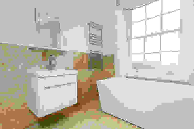 Flat Conversion in Islington GK Architects Ltd BathroomSinks