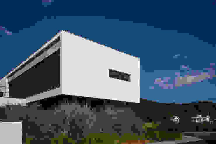 CASA HAYASHI Casas modernas por Thiago Borges Mendes Arquitetura Moderno