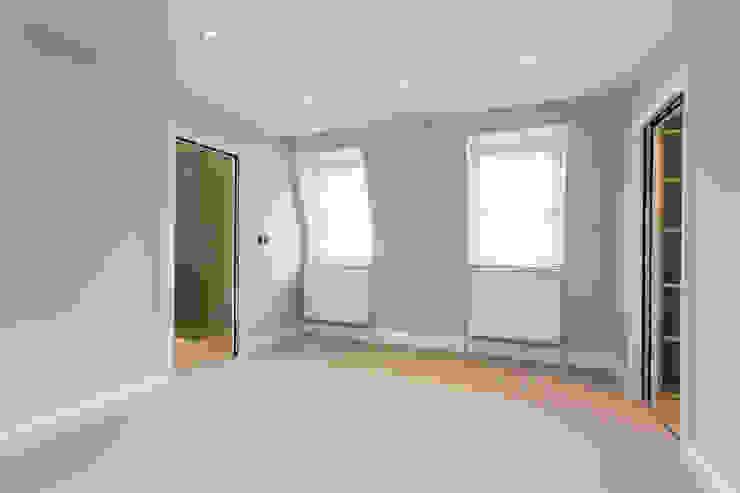Bedroom in Loft Modern style bedroom by GK Architects Ltd Modern