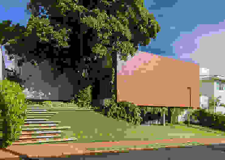 Casas modernas por Felipe Bueno Arquitetura Moderno