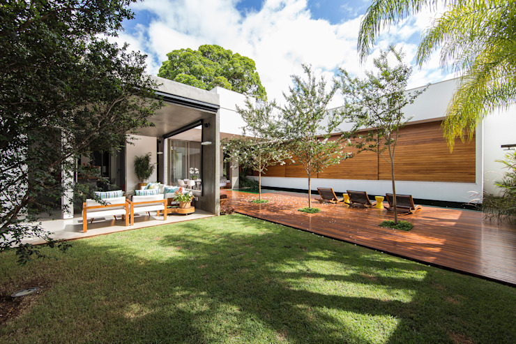 Jardines de estilo moderno de Felipe Bueno Arquitetura Moderno
