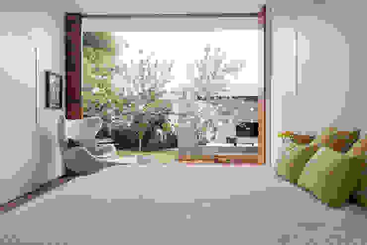 Habitaciones de estilo  por Felipe Bueno Arquitetura, Moderno