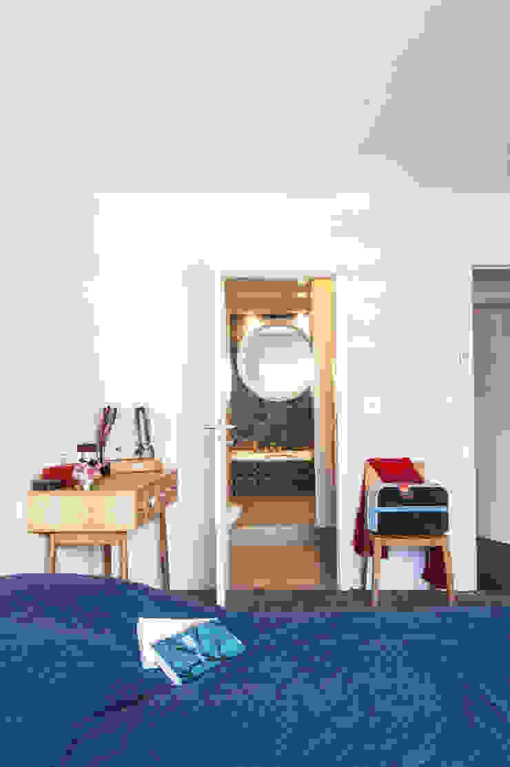 duplex à St Maurice Chambre moderne par goodnova godiniaux Moderne