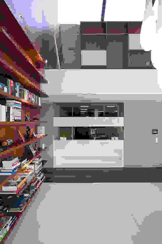 MOBIUS ARCHITEKCI PRZEMEK OLCZYK Living room