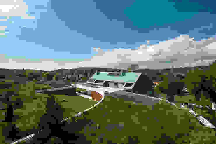 Casas modernas de MOBIUS ARCHITEKCI PRZEMEK OLCZYK Moderno