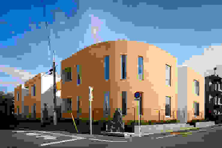 外観 Moderne Ladenflächen von 久保田章敬建築研究所 Modern