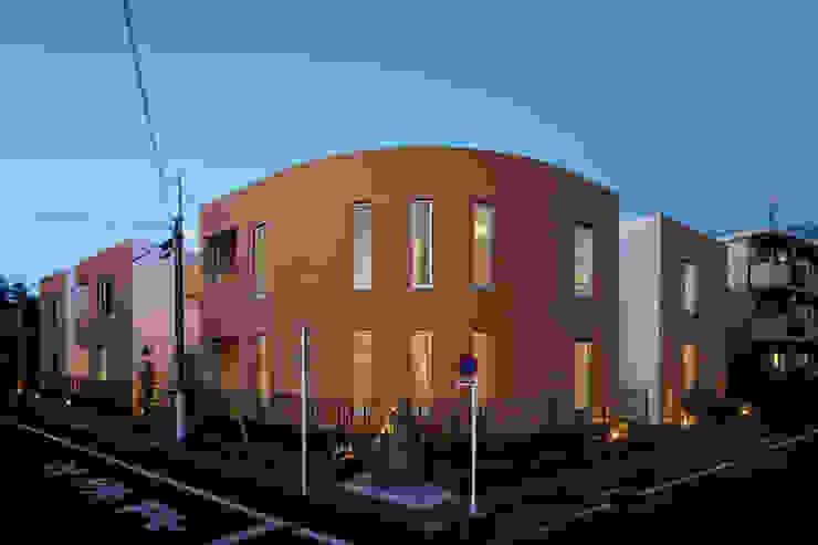 外観夜景 Moderne Ladenflächen von 久保田章敬建築研究所 Modern