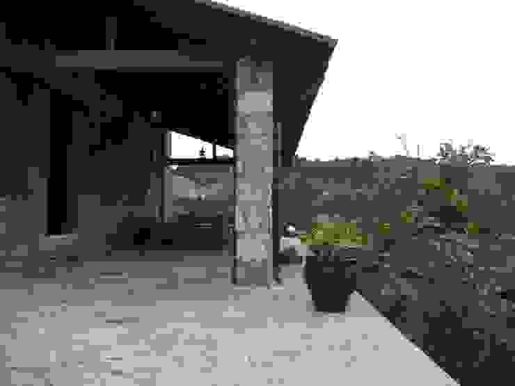 EKa MİMARLIK Rustic style house