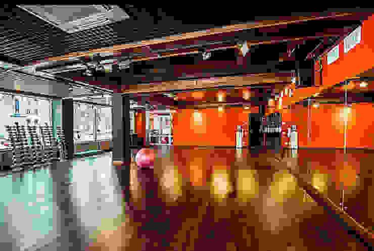 """Фитнес-клуб """"UNIQUE intelligent fitness"""" Жуковский. от Дизайн-бюро Анны Шаркуновой 'East-West' Классический"""