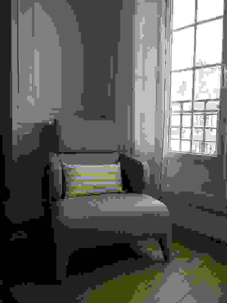 Ruang Studi/Kantor Modern Oleh Agence Laurent Cayron Modern