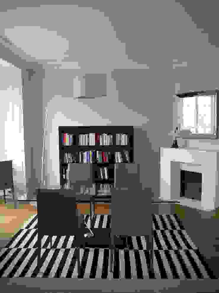 Ruang Makan Modern Oleh Agence Laurent Cayron Modern